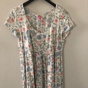H&M Divided White Floral Crepe Dress